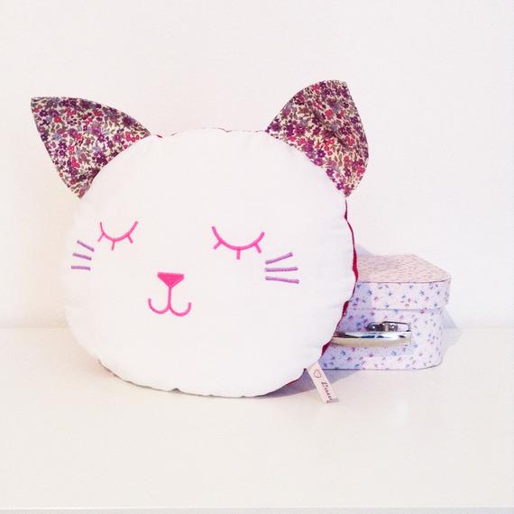 id es de cadeaux pour les amoureux des chats. Black Bedroom Furniture Sets. Home Design Ideas
